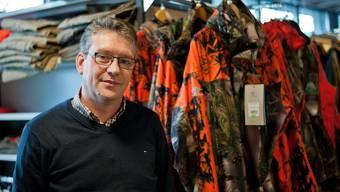 Christian Rudin, Inhaber der Zofinger Waffenhandlung Wildi, hat sich auf den Jagd-Bedarf inklusive Ausrüstung fokussiert.