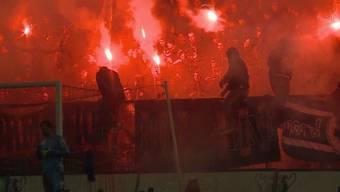 Aarau wollte gegen Luzern einen Sieg holen, ging aber leer aus. Auch im Zuschauerraum lief es nicht wie geplant: Gut 200 Pyros wurden abgefeuert.