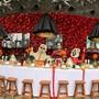 Altar zum Tag der Toten, der - inspiriert an Zeichnungen und Ideen des französischen Mode-Designers Gaultier - von 30 mexikanischen Künstlern für eine Installation im Frida-Kahlo-Museum gestaltet wurde. Foto: Jair Cabrera Torres/dpa