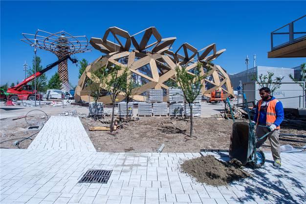 Noch glaubt man nicht, dass das Mailänder Expo-Gelände in zehn Tagen eröffnet wird.