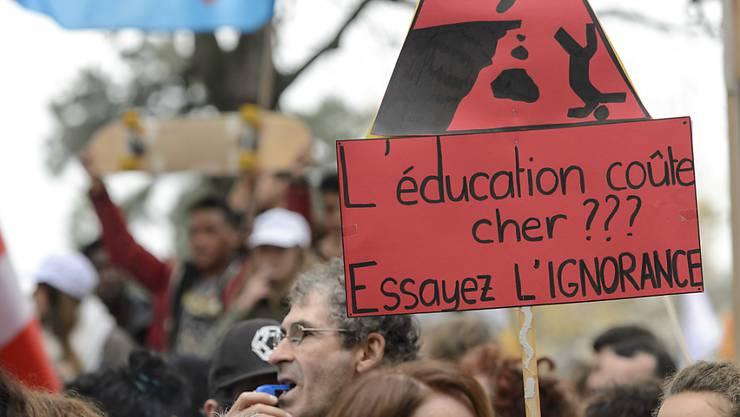Mit überwältigender Mehrheit sprachen sich die Genfer Staatsangestellten für eine Verlängerung des Streiks am Donnerstag aus.