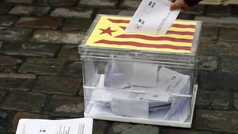 Die katalanische Regionalregierung will das vom Verfassungsgericht untersagte Referendum auch gegen den Willen Madrids durchführen.