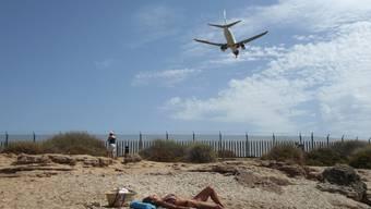 Wer nach Mallorca reist, um Sonne zu tanken, muss nach der Rückkehr nicht in die Quarantäne.