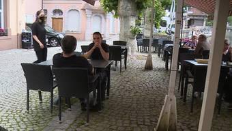 Thumb for 'Restaurants in Deutschland freuen sich über Gäste aus der Schweiz'