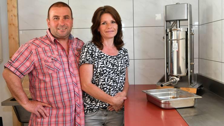 Peter Bader und seine Frau Paula in der Wildmetzgerei.