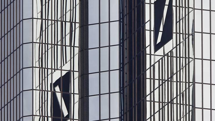 Deutsche Ermittler haben am Donnerstag die Zentrale der Deutschen Bank durchsucht. (Archivbild)