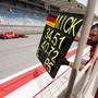 Das Schild liefert den Beweis: Mick Schumacher hat die Formel 1 erreicht - wenn auch erst zu Testzwecken