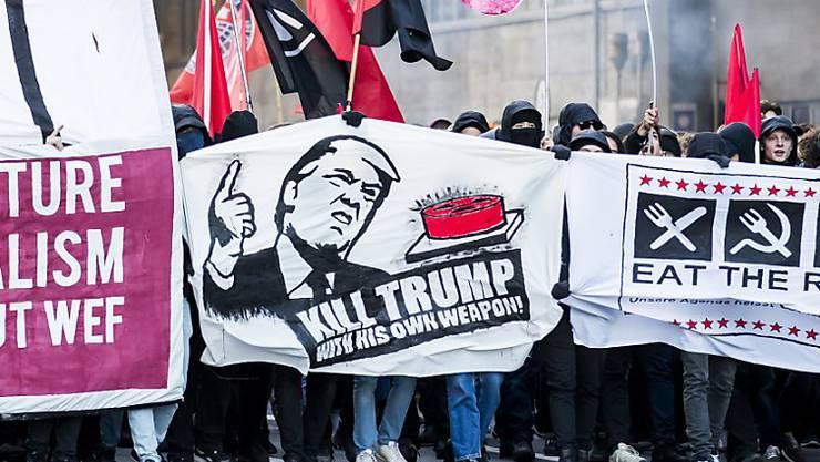 Demonstration in Bern gegen das Weltwirtschaftsforum Davos und Trump – in Davos soll es solche Bilder nicht geben.