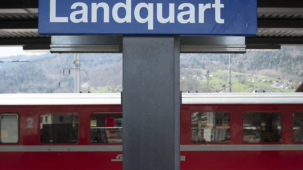 Im Bahnhof Landquart GR entgleisten am Dienstagabend zwei Güterwagen. (Symbolbild)