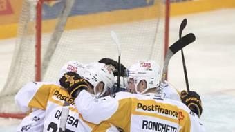 Die Akteure des HC Lugano reagierten auf die Derby-Heimniederlage gegen Ambri mit einem Auswärtssieg beim Playoff-Finalisten EV Zug