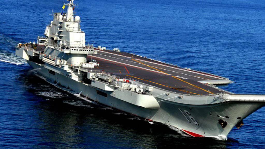 China rüstet weiter auf: Die chinesische Flotte soll um einen weiteren Flugzeugträger ergänzt werden. Anders als der Erste (hier auf einem Archivbild), der in Russland gekauft wurde, baut China den zweiten Flugzeugträger selber.