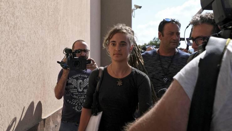 Sea-Watch-Kapitänin Carola Rackete bei der Ankunft zu ihrer Anhörung im Justizpalast in Agrigent.