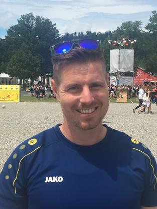 Dani Künzler (36), STV Walzenhausen (AR): «Das T-Shirt ist neu. Besonders stolz sind wir auf unser Logo: Ein Hirschgeweih, in Anlehnung an unser Dorfwappen, und in der Mitte steht unser Gründungsjahr. Es ist modern und drückt trotzdem unsere Traditionsverbundenheit aus.»