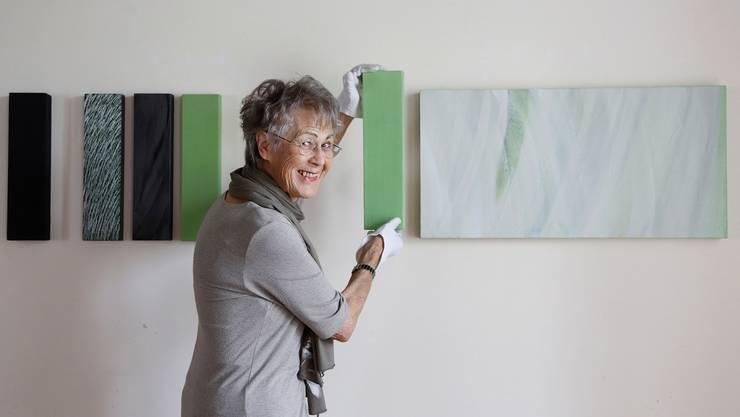 Anne Rüede bereitet mit viel Freude ihre Ausstellung im Schlösschen Vorder-Bleichenberg vor. Hanspeter Bärtschi