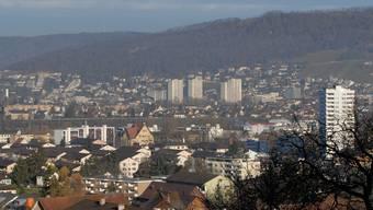 Blick vom Heitersberg über Neuenhof und Wettingen zur Lägern. AZ Archiv/WAL