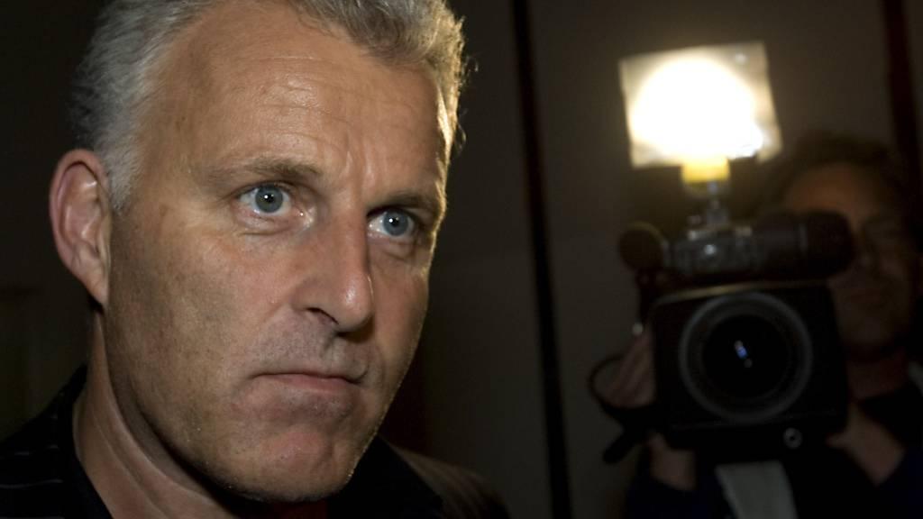 Kriminal-Reporter Peter R. de Vries ist nach dem Mordanschlag auf ihn seinen schweren Verletzungen erlegen.