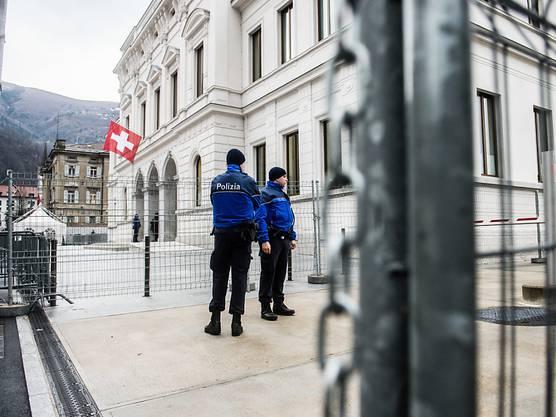 Vier Iraker stehen standen ab dem 28. Februar 2016 vor dem Bundesstrafgericht in Bellinzona.
