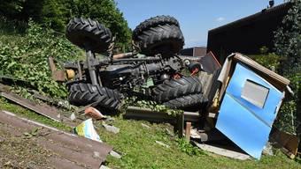 Der Bauer wurde beim Unfall erheblich verletzt.