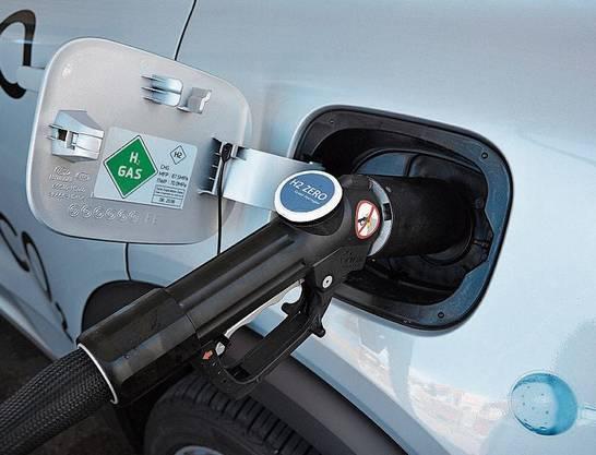 Innert rund fünf Minuten lassen sich die drei Wasserstoff-Tanks im Hyundai Nexo füllen.