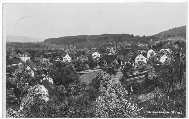 Fräulein Josy Cantieni in Chur bekam 1943 Post aus Unterlunkhofen. Dort hat es heute deutlich weniger Bäume, dafür umso mehr Häuser.