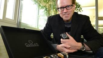 John C.Ermel fertigt vor allem Einzelstücke an. Der grösste Markt für seine Uhren sind der Ferne Osten und die USA. Nicole Nars-Zimmer