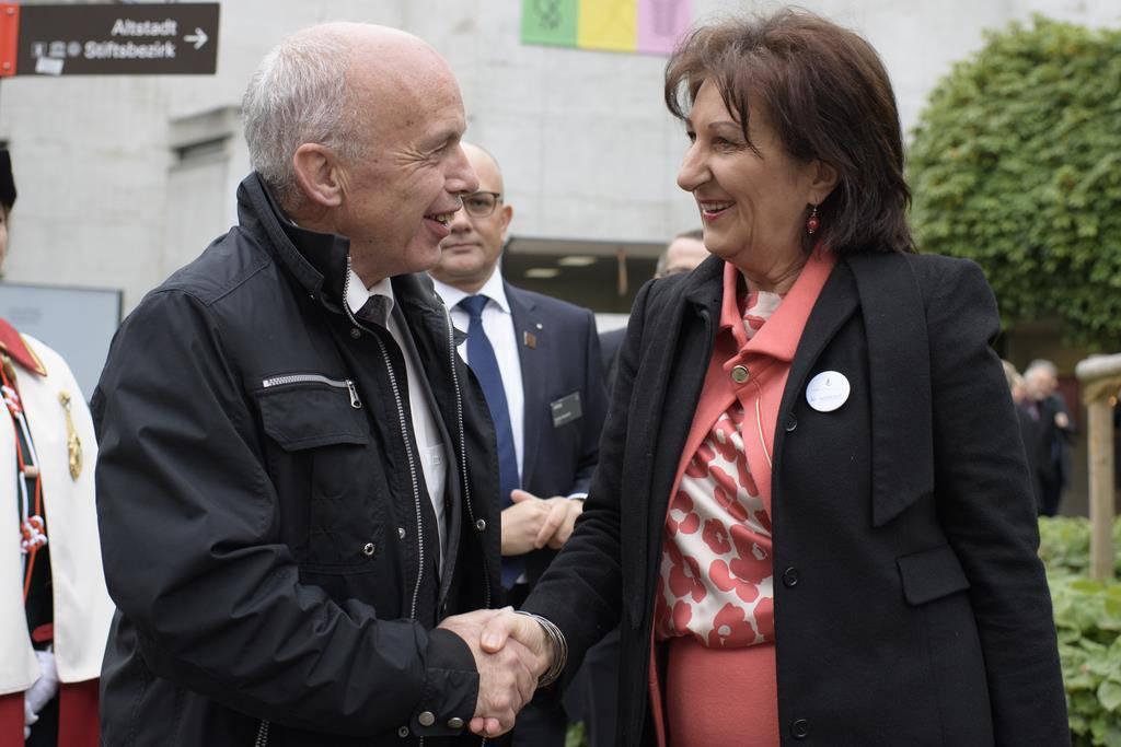 Ueli Maurer und Marlies Amann-Marxer nach der offiziellen Eröffnungsfeier. (© KEYSTONE)