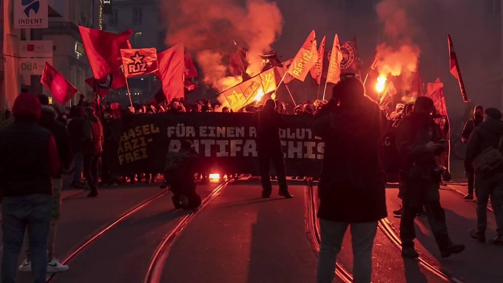 Über 3000 Teilnehmende demonstrierten am Samstag in Basel gegen Faschismus und gegen behördliche und gerichtliche Repressionen gegen Teilnehmende einer vergangenen Kundgebung aus dem Jahr 2018.