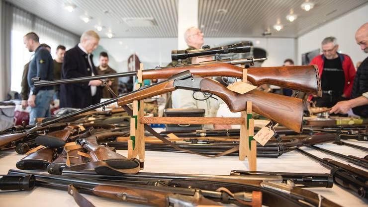 Jagdwaffen in Hülle und Fülle wurden an der 19. Seeländer Jägerbörse im Airporthotel Grenchen angeboten.