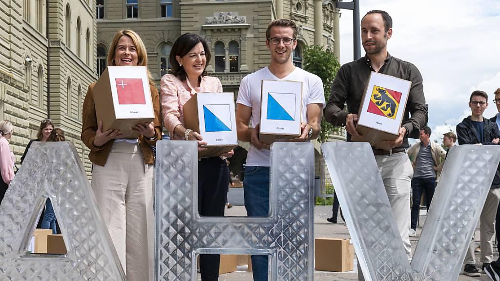 Renteninitiative mit 145'000 Unterschriften eingereicht