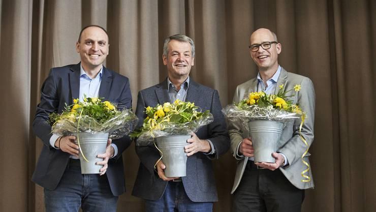 Der ehemalige Kantonspolizist Walter Jucker (SP) ist neuer Schlieremer Gemeinderatspräsident. Links sein erster Vize Sasa Stajic (FDP) und rechts sein zweiter Vize Beat Kilchenmann (SVP)