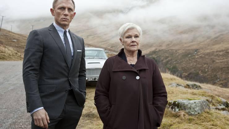 Raus aus dem MI6-Büro: Daniel Craig und Judi Dench als James Bond und M in «Skyfall».