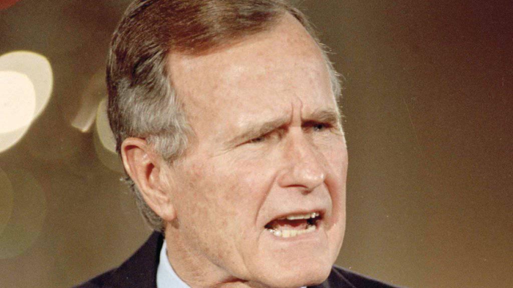 «Ich weiss nicht viel über ihn, aber ich weiss, er ist ein Angeber.» Dies sagte der ehemalige US-Präsident Georg Bush über US-Präsident Donald Trump. (Archivbild)
