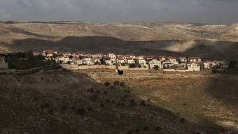 Die Siedlung Maaleh Adumim ausserhalb Jerusalem: Die israelische Regierung setzte im Parlament ein Gesetz durch, das Siedlungen, die auf palästinensischem Privatbesitz gebaut worden waren, nachträglich legitimiert. (Archiv)