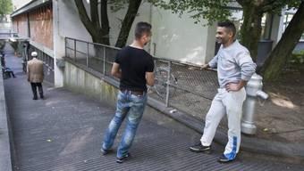 Asylbewerber aus Syrien (rechts) und aus Tunesien in Bern (Archiv)