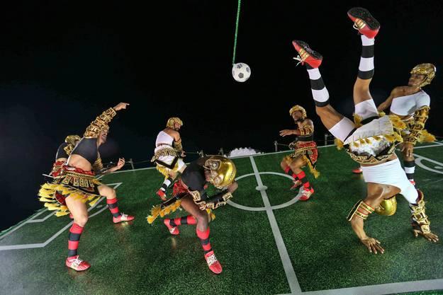 Die Fussball-WM ist allgegenwärtig am Umzug.