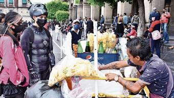In Mexiko kehrt der Alltag zurück - dabei steigen die Infiziertenzahlen stark an.
