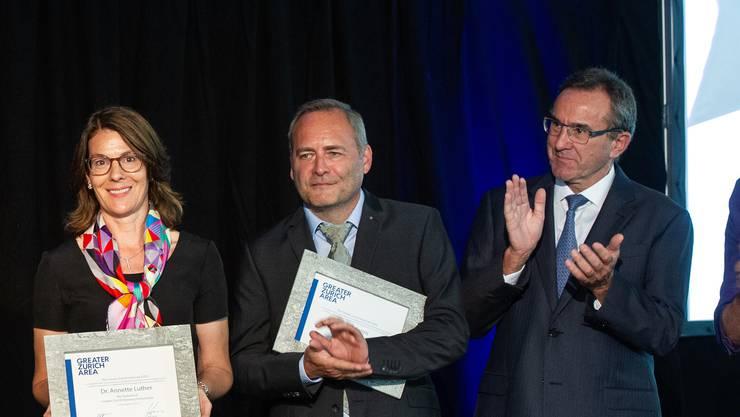 Mario Jenni (Mitte) am Jubiläumsanlass.