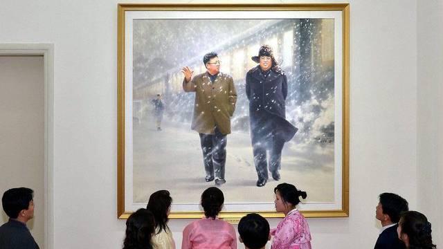 Sollen ihre Führung stürzen: Nordkoreaner in einer Galerie in Pjöngjang
