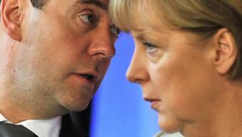 """Merkel und Medwedew beim """"Petersburger Dialog"""""""