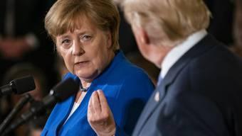 Die deutsche Kanzlerin Angela Merkel und US-Präsident Donald Trump an einer gemeinsamen Medienkonferenz in Washington.