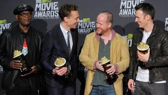 """Das """"Avengers""""-Team, von links: Samuel L. Jackson, Chris Hiddleston, Joss Whedon und Chris Evans"""