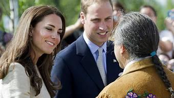 Kate und William treffen einen Vertreter der Urvölker Kanadas