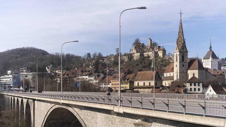 Die Limmattalbahn soll über die Hochbrücke bis nach Baden weitergeführt werden.
