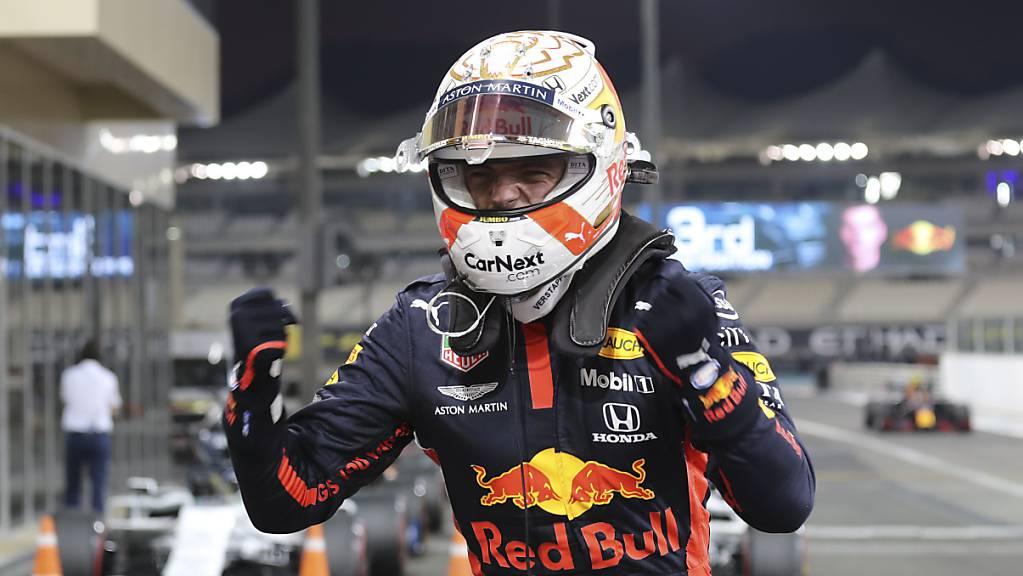 Max Verstappen lanciert den WM-Kampf. Der Niederländer im Red Bull startet beim Saisonauftakt der Formel 1 von ganz zuvorderst ins Nachtrennen.
