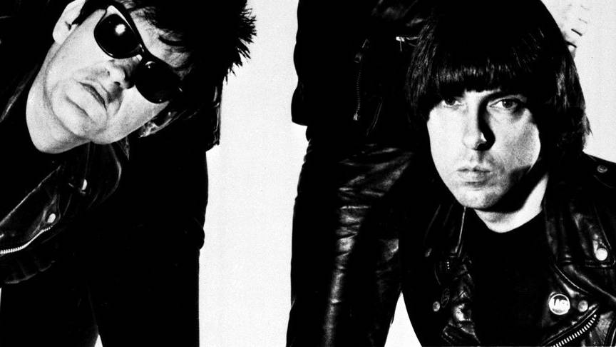 Bildausschnitt eines Fotos der Ramones, aufgenommen von George duBose.