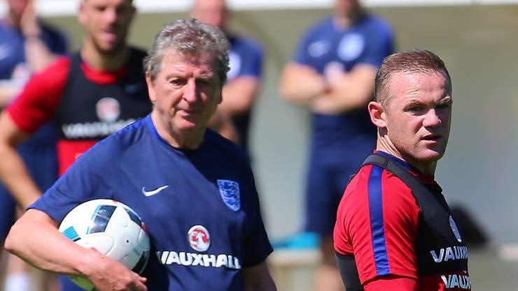 Gegen Island eindeutig in der Favoritenrolle: Englands Coach Roy Hodgson und Captain Wayne Rooney