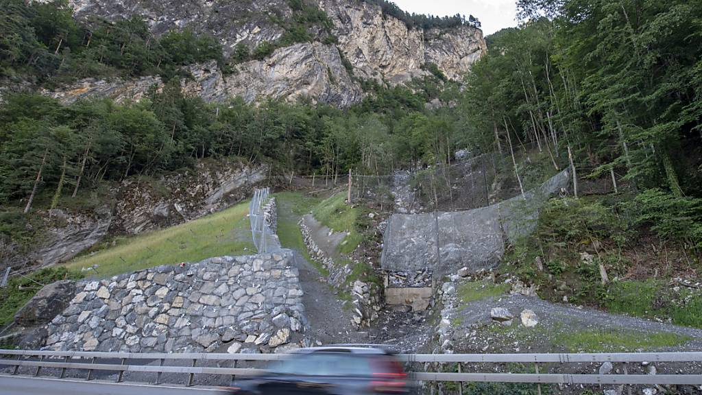 Axenstrasse im Kanton Uri wegen Steinschlag erneut gesperrt