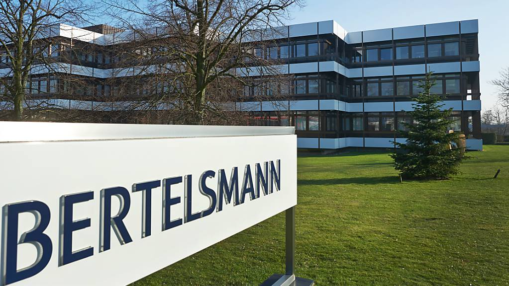 Der Medienkonzern Bertelsmann büsst im ersten Halbjahr klar an Umsatz und Gewinn ein. Vor allem die RTL Group leidet unter dem Einbruch am Werbemarkt. (Archivbild)