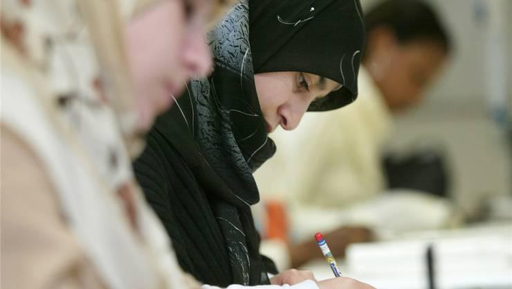 Geht es nach der CVP, soll das Kopftuch an Aargauer Schulen verboten werden. keystone