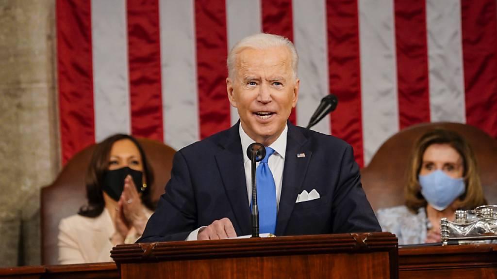 «Viele Unternehmen hinterziehen Steuern durch Steueroasen - von der Schweiz über die Bermudas bis zu den Cayman Islands»: Joe Biden in seiner ersten Rede als US-Präsident vor dem Kongress.